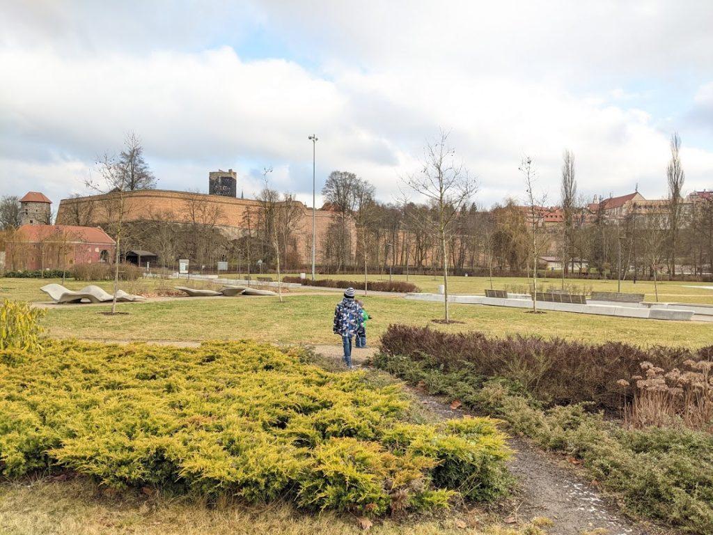 Pikniková louka pod chebským hradem