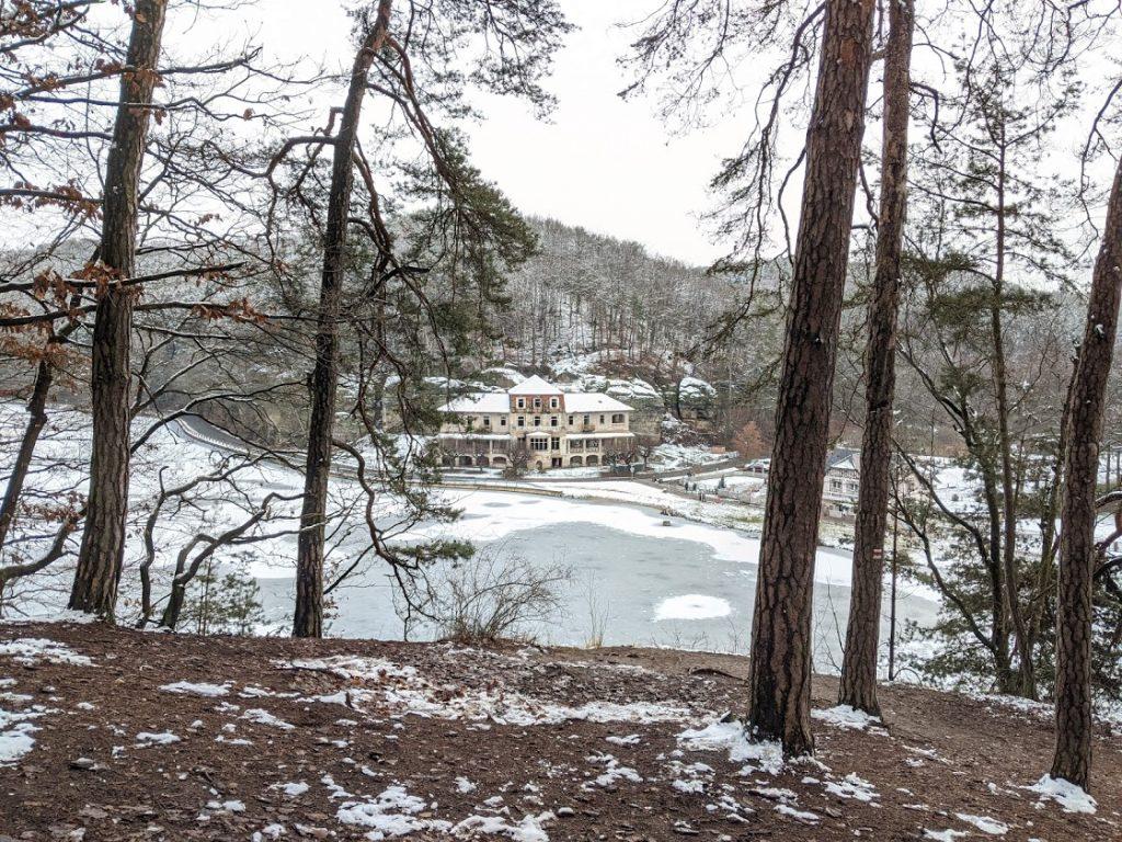Výhled na rybník Harasov
